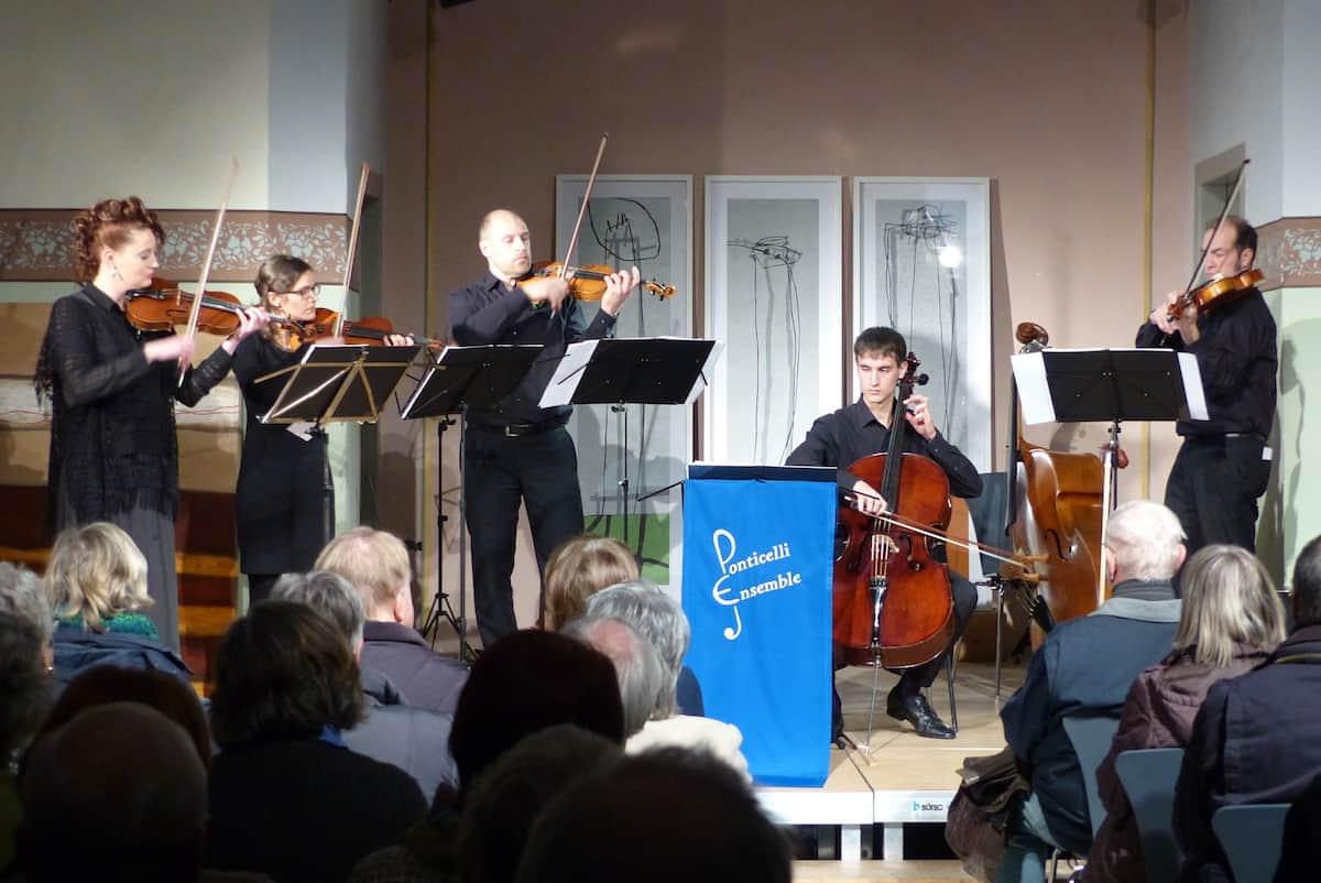 """Neujahrskonzert in der Alten Kirche: Ponticelli präsentierte """"strings over the moon"""""""